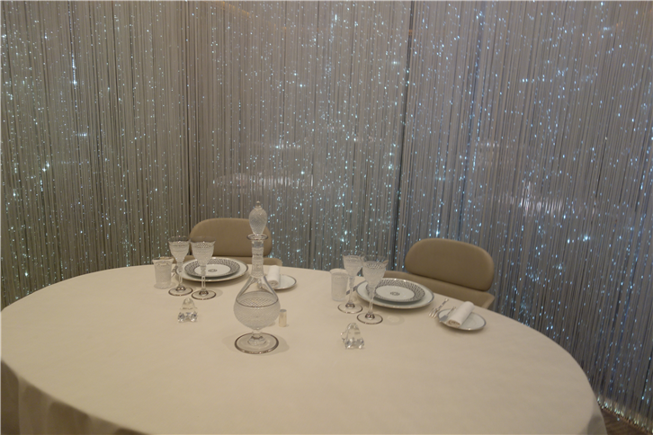 alain-ducasse 5742 lumiere table-crop-v6.JPG