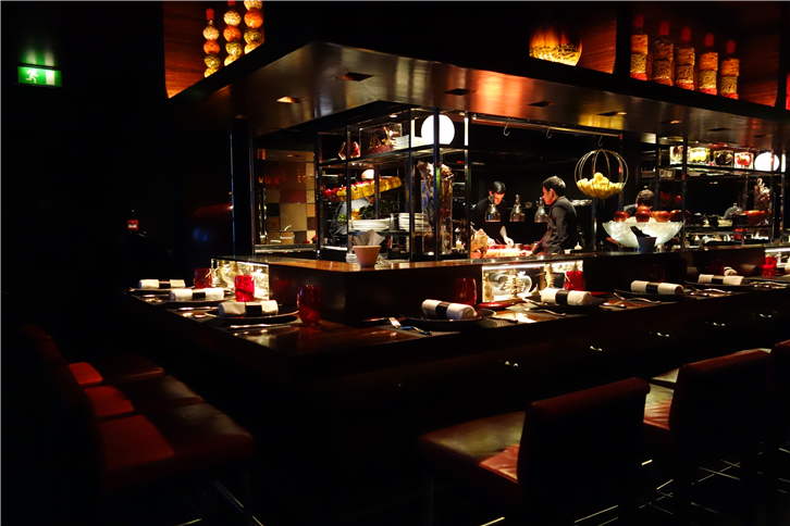 atelier-robuchon-london 5472 bar-crop-v4.JPG