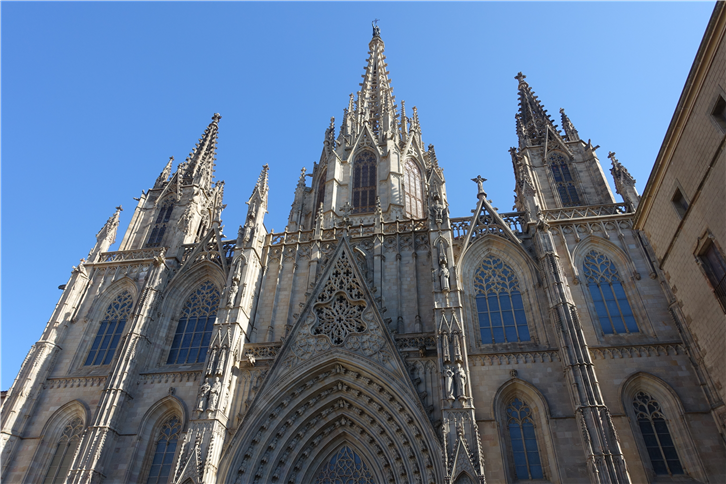 barcelona 5472 old cathedral-crop-v2.JPG