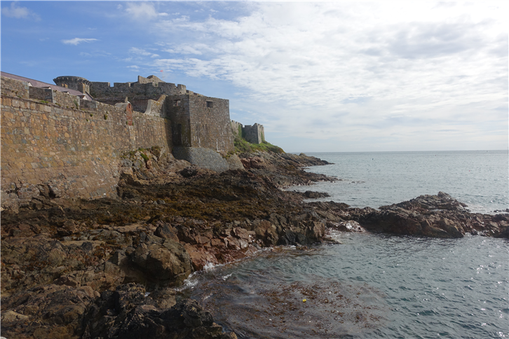 guernsey 5472 castle overlooking sea-crop-v4.JPG