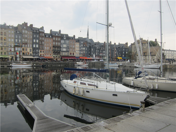 honfleur 3648 harbour-crop-v2.JPG