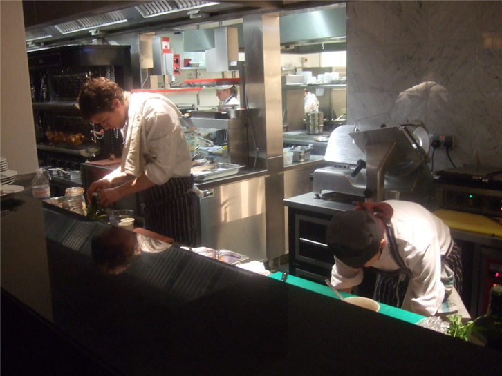 le-cafe-anglais 750 chefs at work-crop-v3.JPG