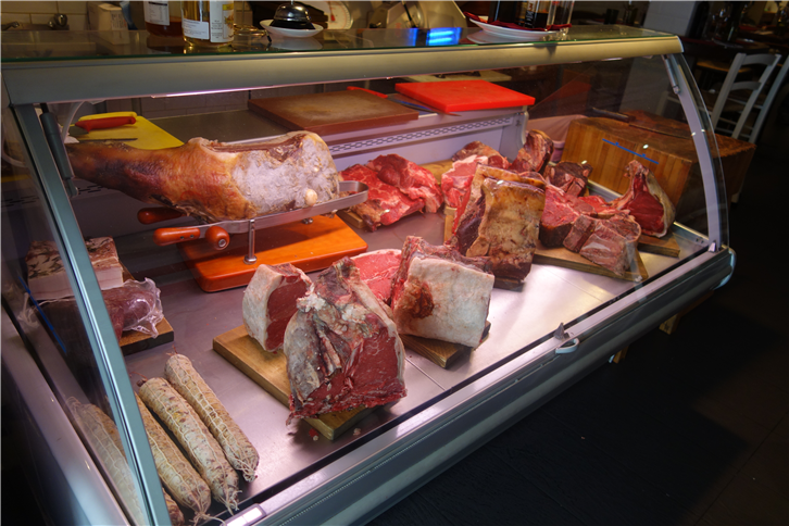 maxela 5472 meat counter-crop-v2.JPG