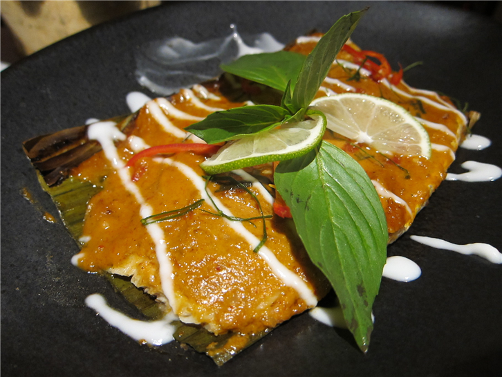 patara-beauchamp-place 3648 sea bass in banana leaf-crop-v2.JPG
