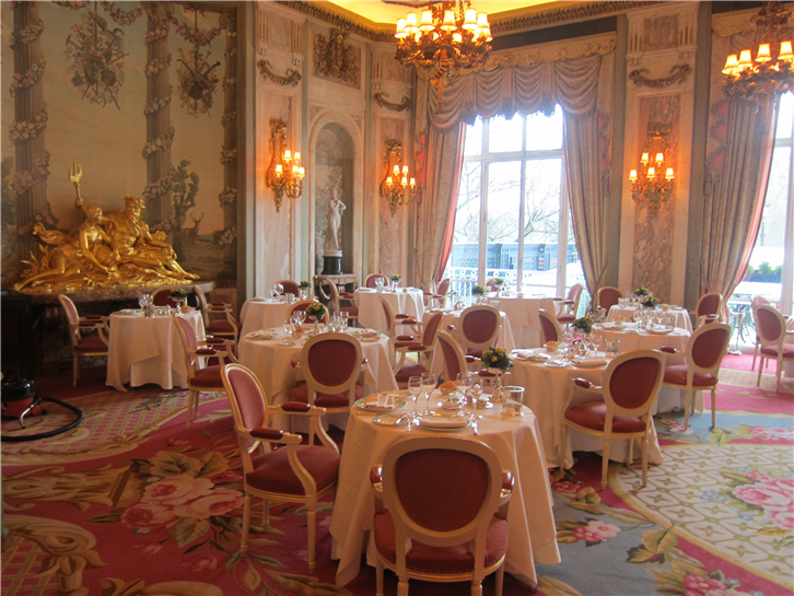 ritz 3648 dining room 001-crop-v2.JPG