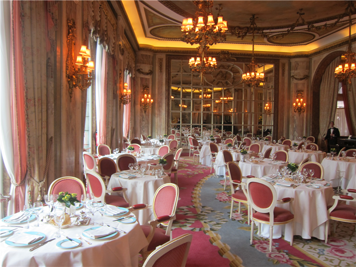 ritz 3648 dining room 3-crop-v5.JPG