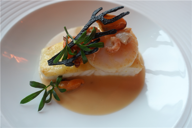 ritz 5472 turbot and scallop-crop-v2.JPG